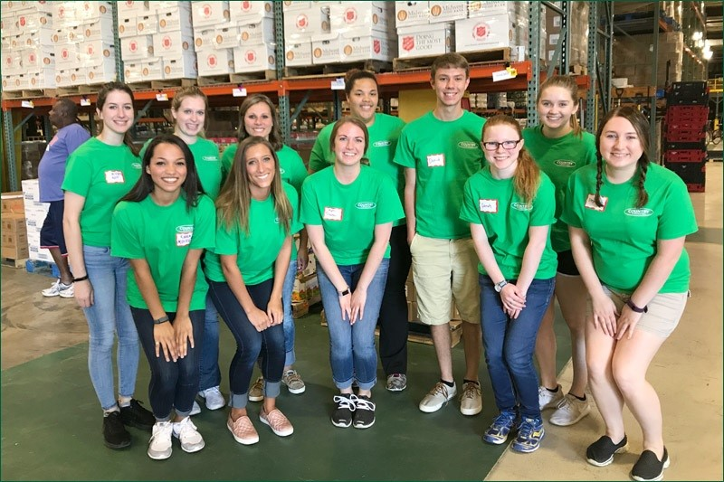 COUNTRY interns volunteer at local food bank